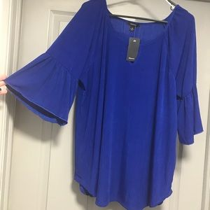 NWT. NEW BLUE TOP. 1X. Flared Sleeve. Price FIRM